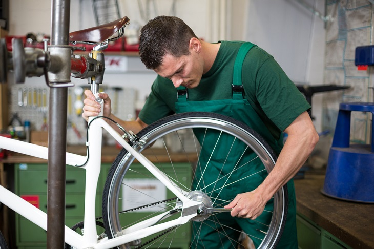 Key Reasons to Get Bike Service Done by Professionals